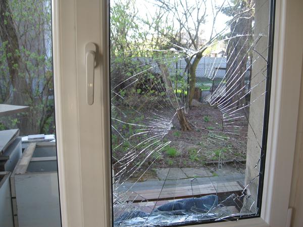 Rozbité okno